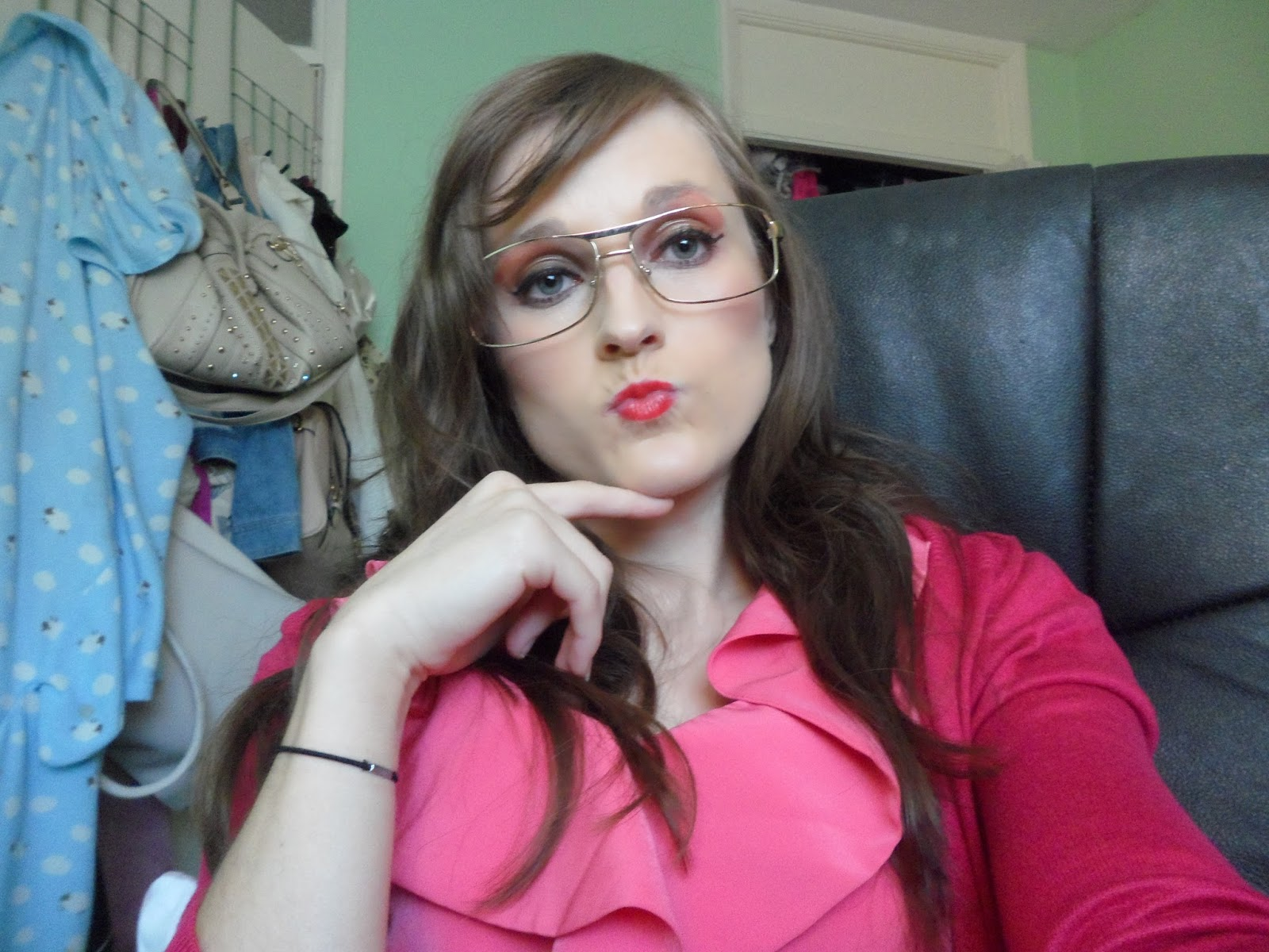 How To Apply Makeup When Wearing Glasses Tutorial