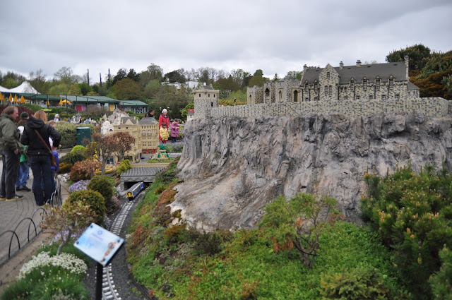 Windsor+Legoland+Mini+Land+Edinburgh+Castle.JPG