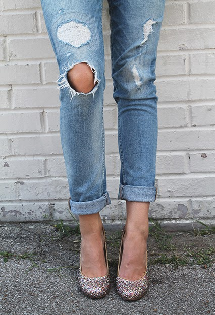 juicy couture distressed boyfriend jeans, kate spade glitter karolina heels, white boyfriennd button down shirt, glitter high heels, kate spade watch, kate spade heels,