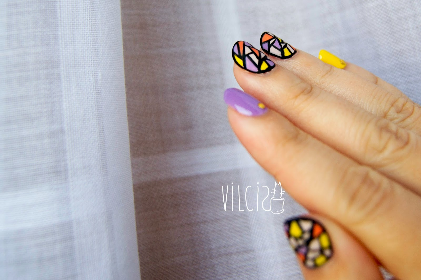 Diseño de uñas VIDRIERA stained glass vilcis