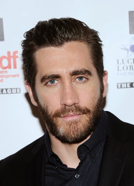 Jake Gyllenhaal Short Straight Cut Hairstyle