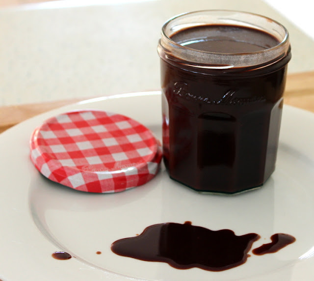 Stylish Settings: The Best Ever Low-Fat Chocolate Sauce