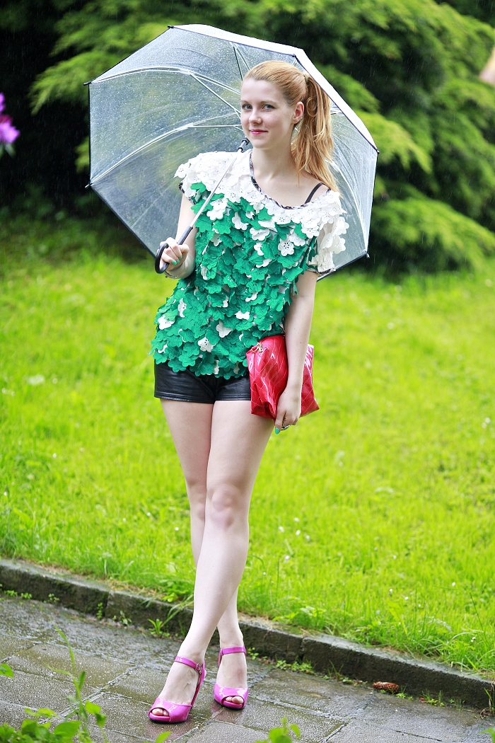 clear zara umbrella, leather shorts new yorker, statement top sheinside, česká módní blogerka