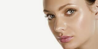 tips mengatasi wajah berminyak