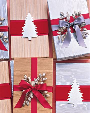 Как украсить новогодние подарки своими руками