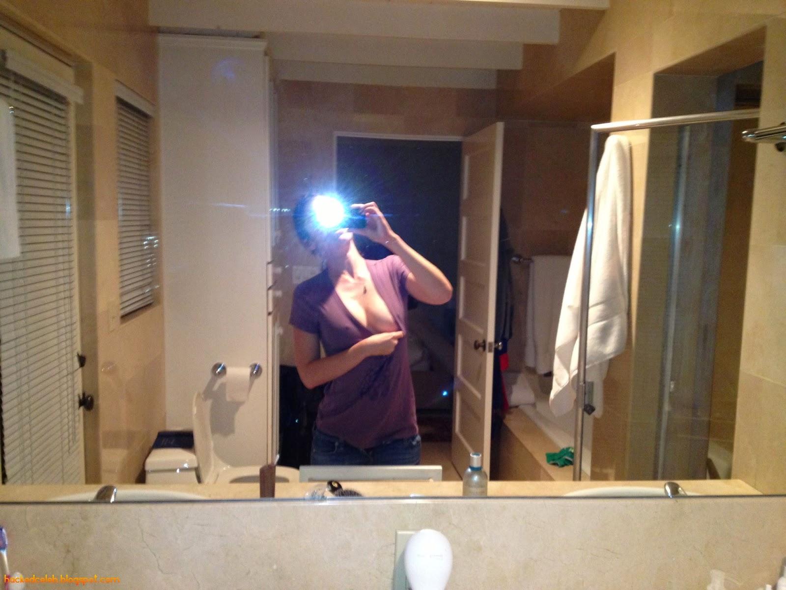lizzy-caplan-nude-leaked-icloud-hacked-celebrity-5