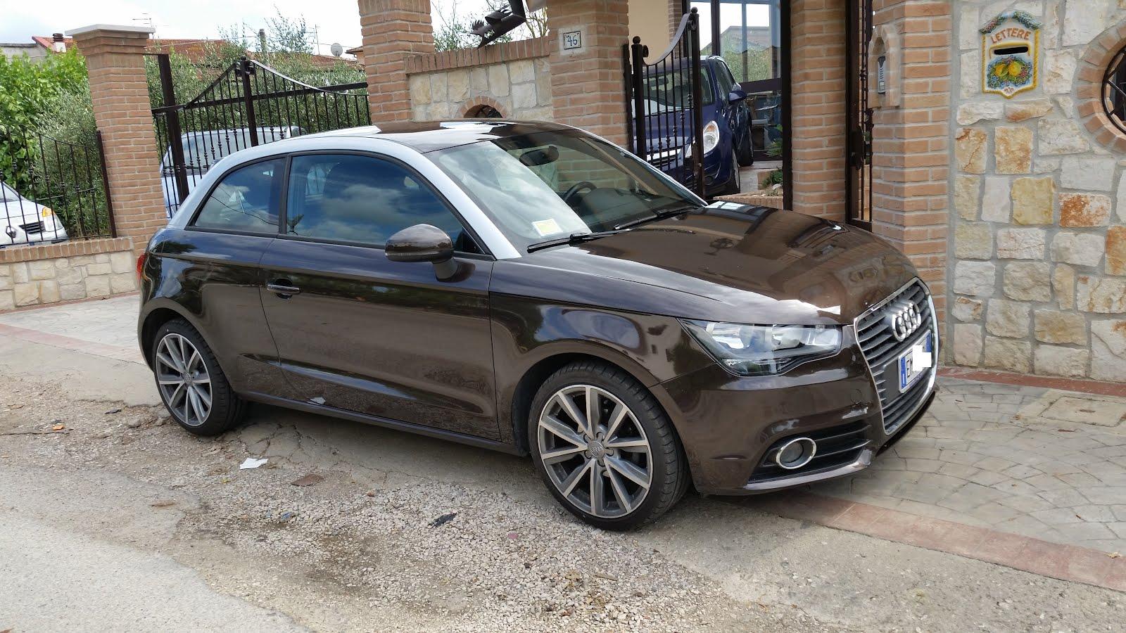 Audi A1 1.6 Tdi 90 CV Ambition bicolore Anno 2012 Cerchi in lega 17 super accessoriata