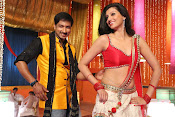 Hamsha Nandini Item Song in Loukyam-thumbnail-3