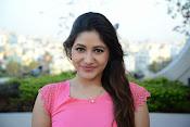 Prabhajeet Kaur Glamorous Photo shoot-thumbnail-18