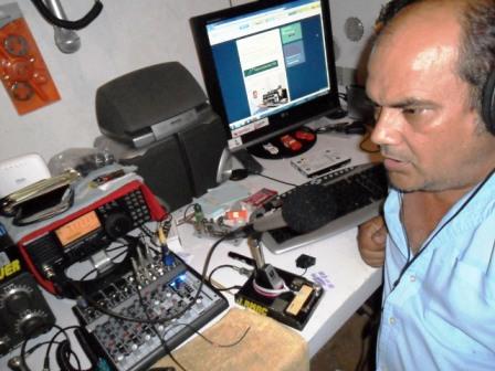 PY6JSR JEOVÁ ROSA em sua estação com o IC-718