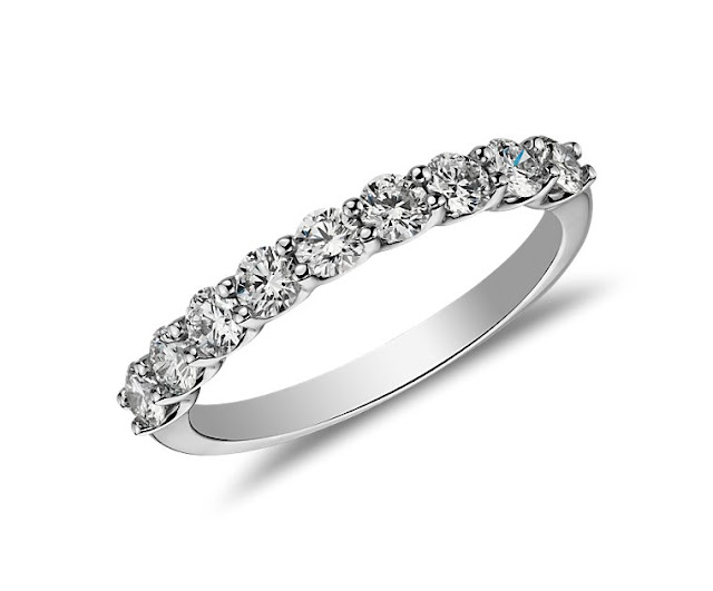 Belle Classic Diamond Ring