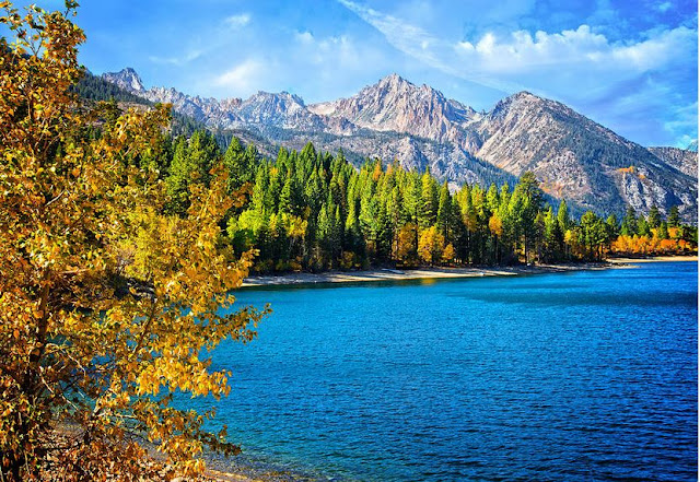 Upper Twin Lakes Bridgeport California by Lynn Bauer