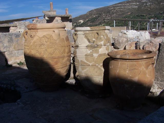Saklama kapları, küpler; Knossos Sarayı