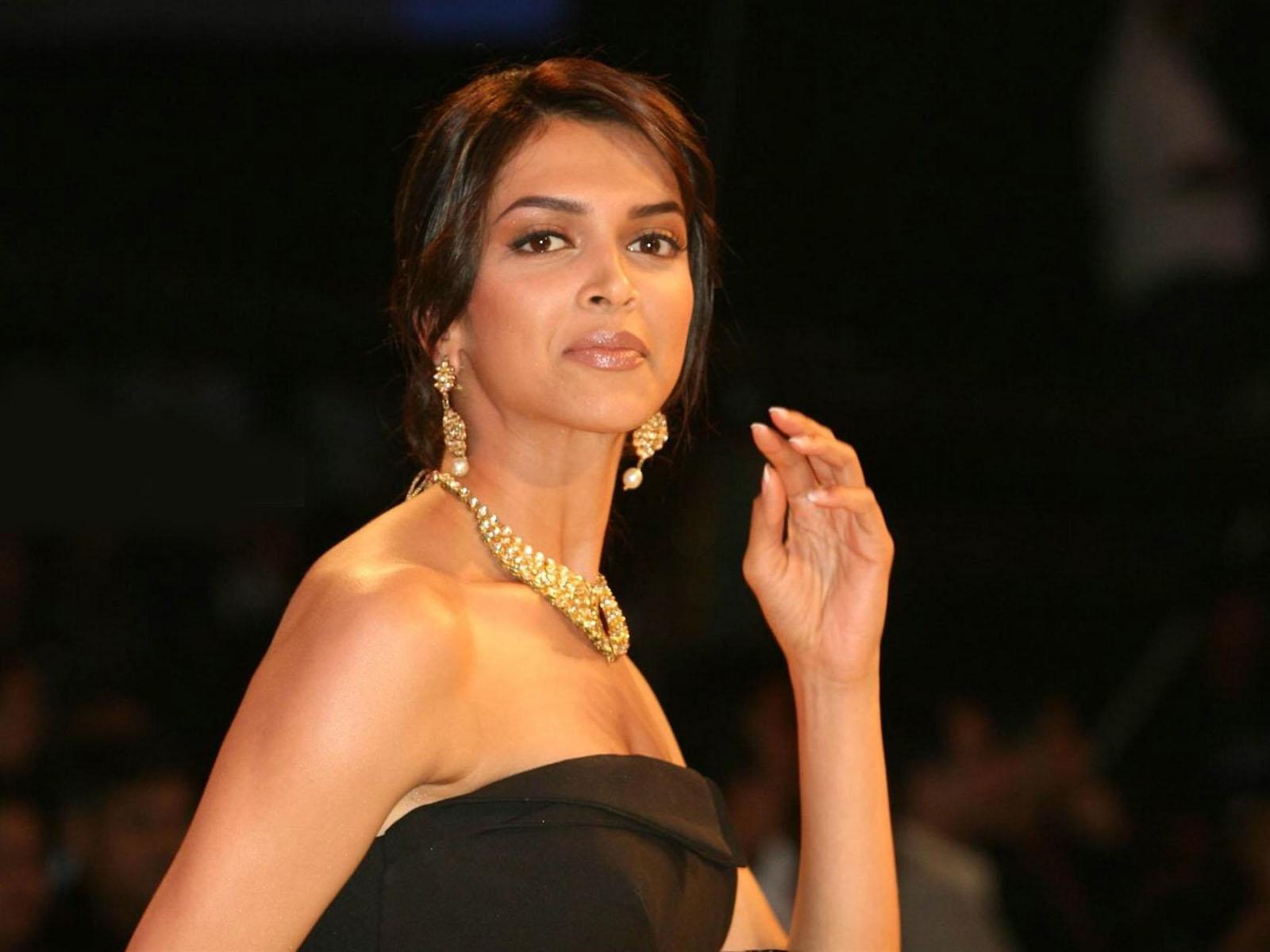 Er Deepika Padukone dating Ranveer Singh ny film