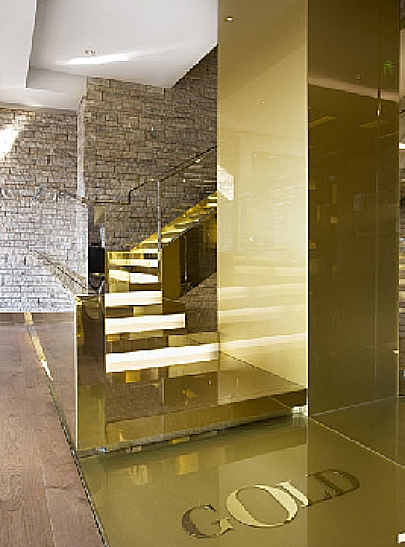 Gold Dolce & Gabbana Restaurante
