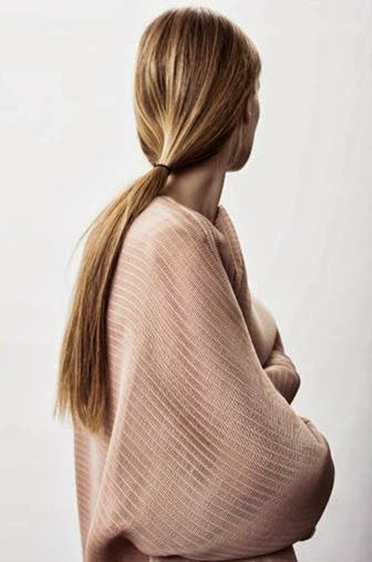 Low pony knitwear