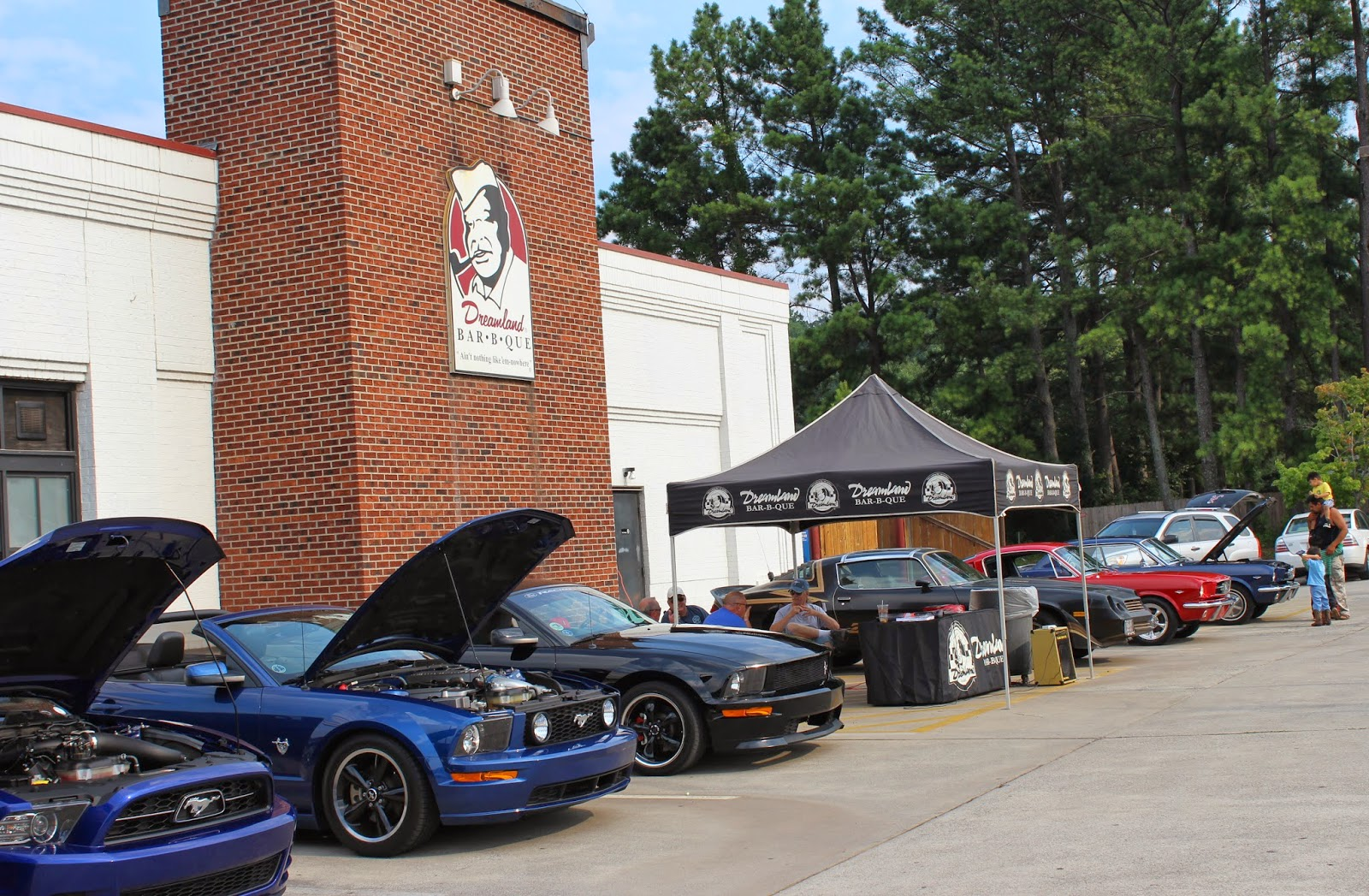 Cars And Coffee Talk Car Show Vs Cruiseinwhats The Difference - Cruise car show