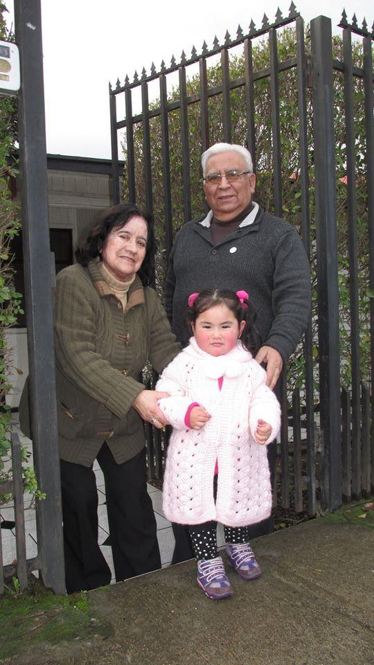 Junto a su esposa Thala Rojas y nieta Yanka