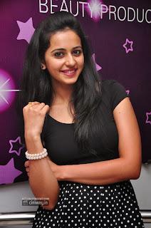 Actress-Rakul-Preet-Singh-Latest-Stills