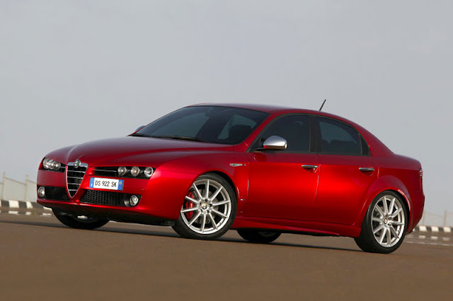 2012-Alfa-Romeo-159-Wallpaper