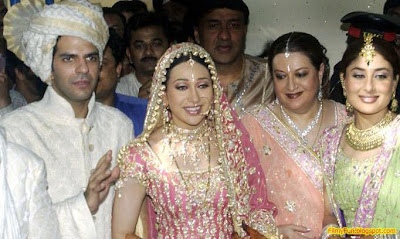 karisma_kapoor_sanjay_kapoor_bollywood_famous_wedding_FilmyFun.blogspot.com