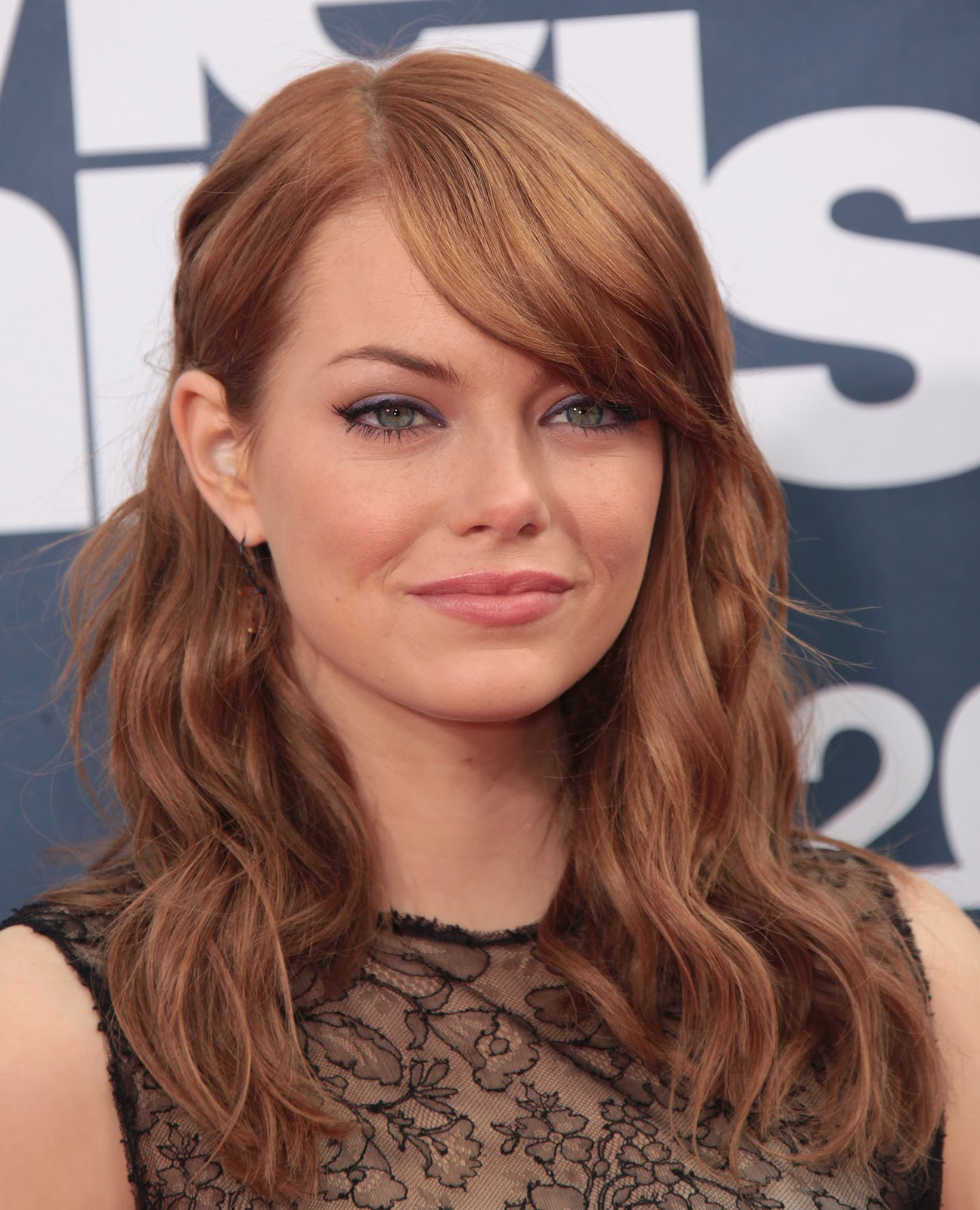 http://3.bp.blogspot.com/-OsZrNuuYqX0/TmJ8960vlWI/AAAAAAAAAfM/Sup_voO051A/s1600/Emma-Stone-pics-photos-images-pictures-films-movies-hot+%25287%2529.jpg