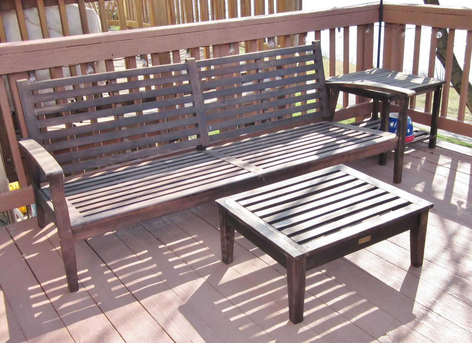 BonnieProjects: Refinishing wood patio furniture