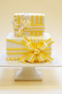 Yellow and white striped cake