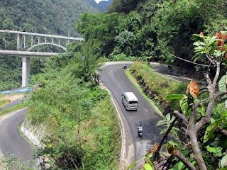 Bus Pariwisata Pekanbaru 187