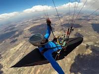 Brasileiros quebram recorde mundial em voo de parapente que teve início no céu da Paraíba