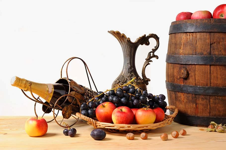 pitcher-fruit-apples-grapes-champagne-nuts-wallpapers