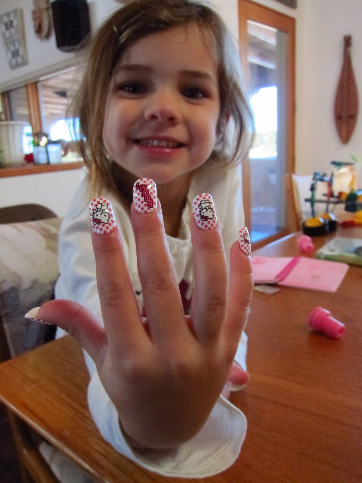 Fake nails for little girls - Clamart