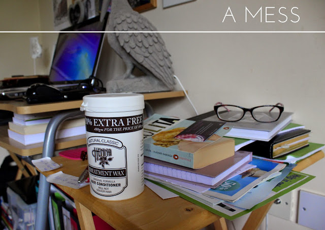 mess-home-messy-workspace-todaymyawyblog