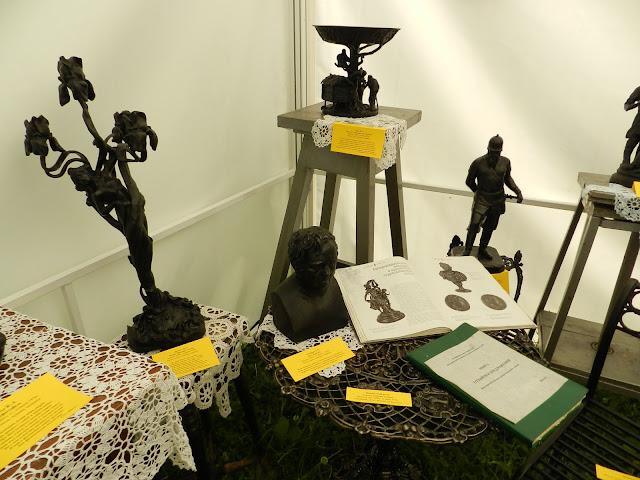 Экспонаты Каслинского павильона на Бажовском фестивале