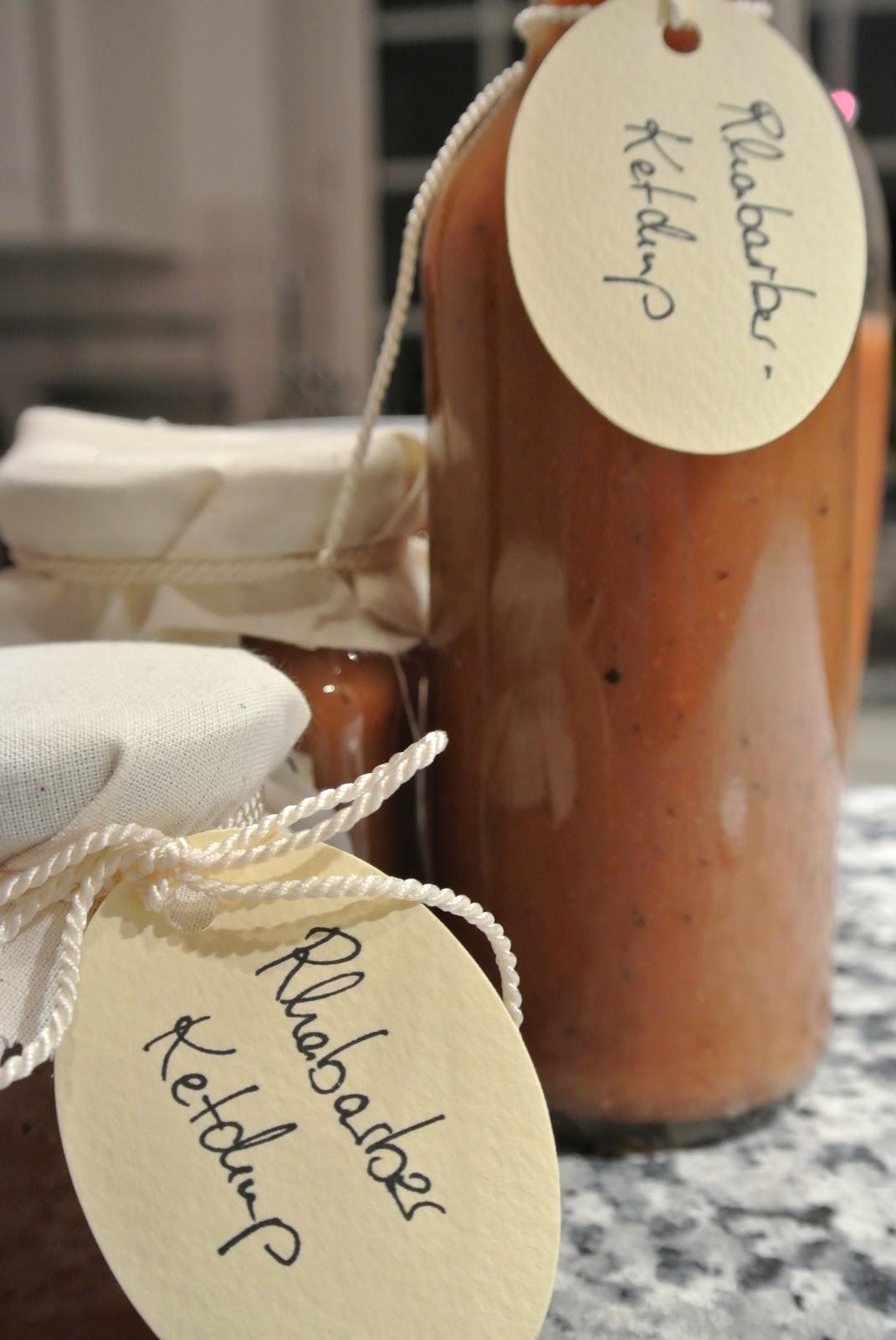 bonjour alsace das unwiderstehliche rhabarber ketchup oder wer nicht h ren will muss f hlen. Black Bedroom Furniture Sets. Home Design Ideas