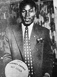 Godfrey Chitalu, el hombre que marcó ¡107 goles en un año!