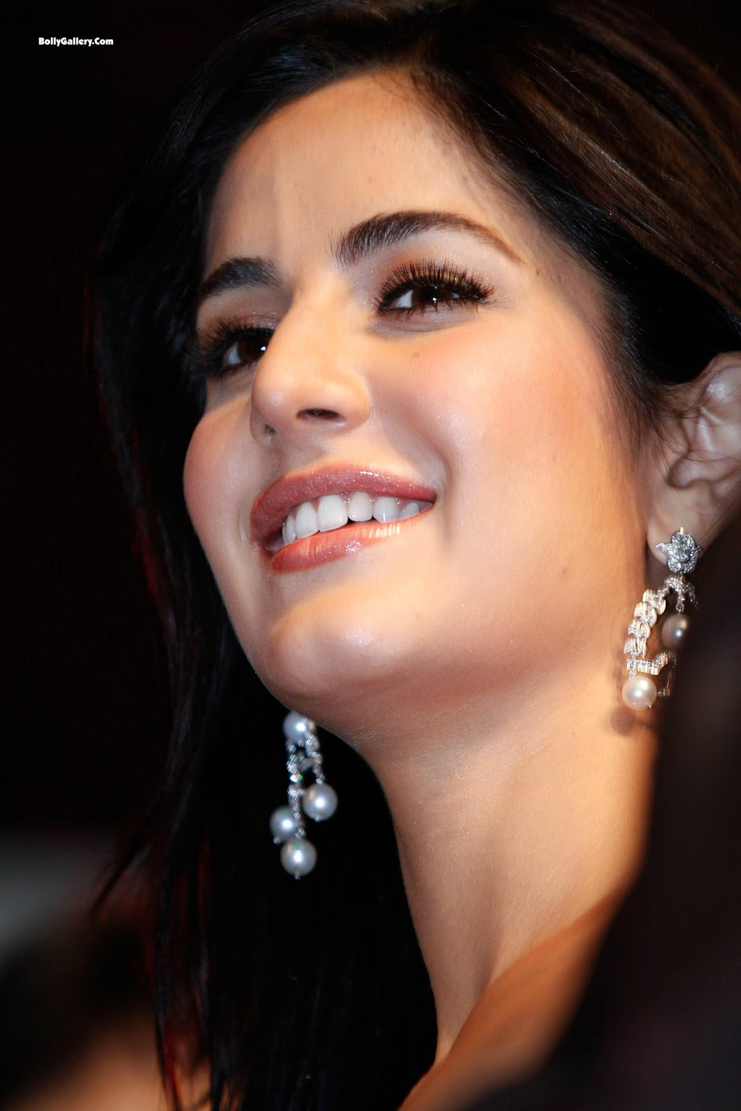 http://3.bp.blogspot.com/-OtosgStcJZk/Tt-rb_cP1YI/AAAAAAAADEc/mZb_vpoOvow/s1600/Girl+Hairstyle%252C+Photo+Gallery%252C+Katrina+Kaif+Hairstyles%252C+Celebrity+Katrina+Kaif+Hairstyles%252C+Katrina+Kaif+Hairstyles+Photo%252C+Latest+Katrina+Kaif+Hairstyles%252C+Katrina+Kaif+Hairstyles+Cutting%25281%2529.jpg