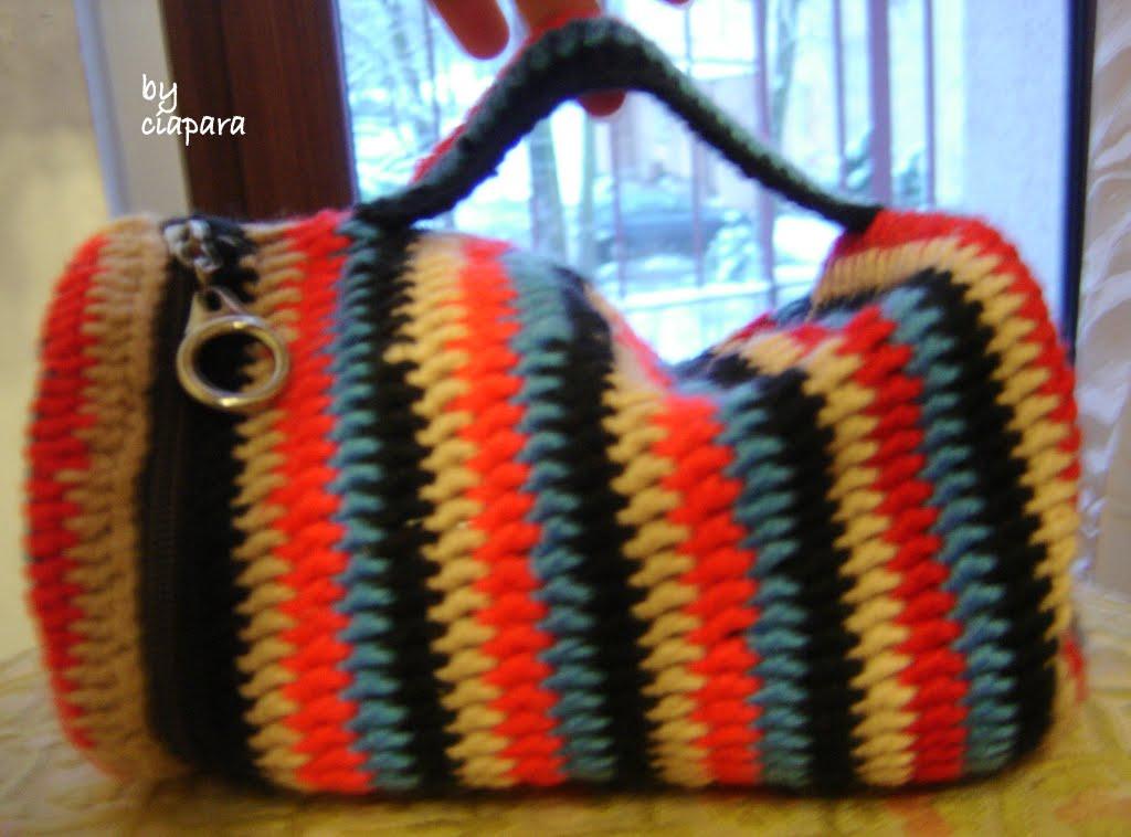 http://mojerobotkowanie.blogspot.com/2013/10/szydeko-kontra-druty.html