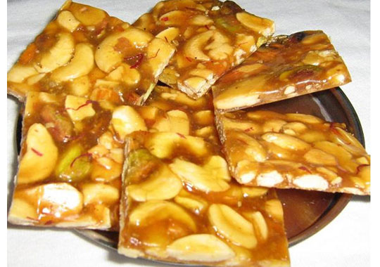 How to Make Cashew Brittle