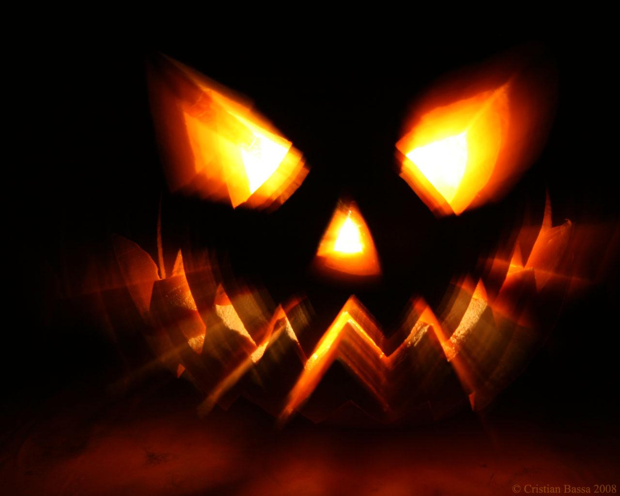 http://3.bp.blogspot.com/-OuNTEHlBFwE/UJGoxmQeaSI/AAAAAAAAF50/xw-FuBNW4G8/s1600/halloween-wallpaper-large006.jpeg