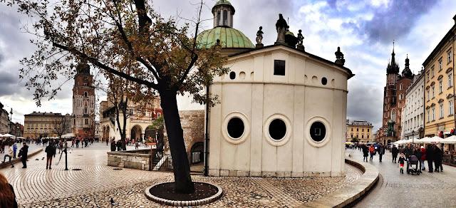 Rynek Główny widok zza Kościoła św. Wojciecha