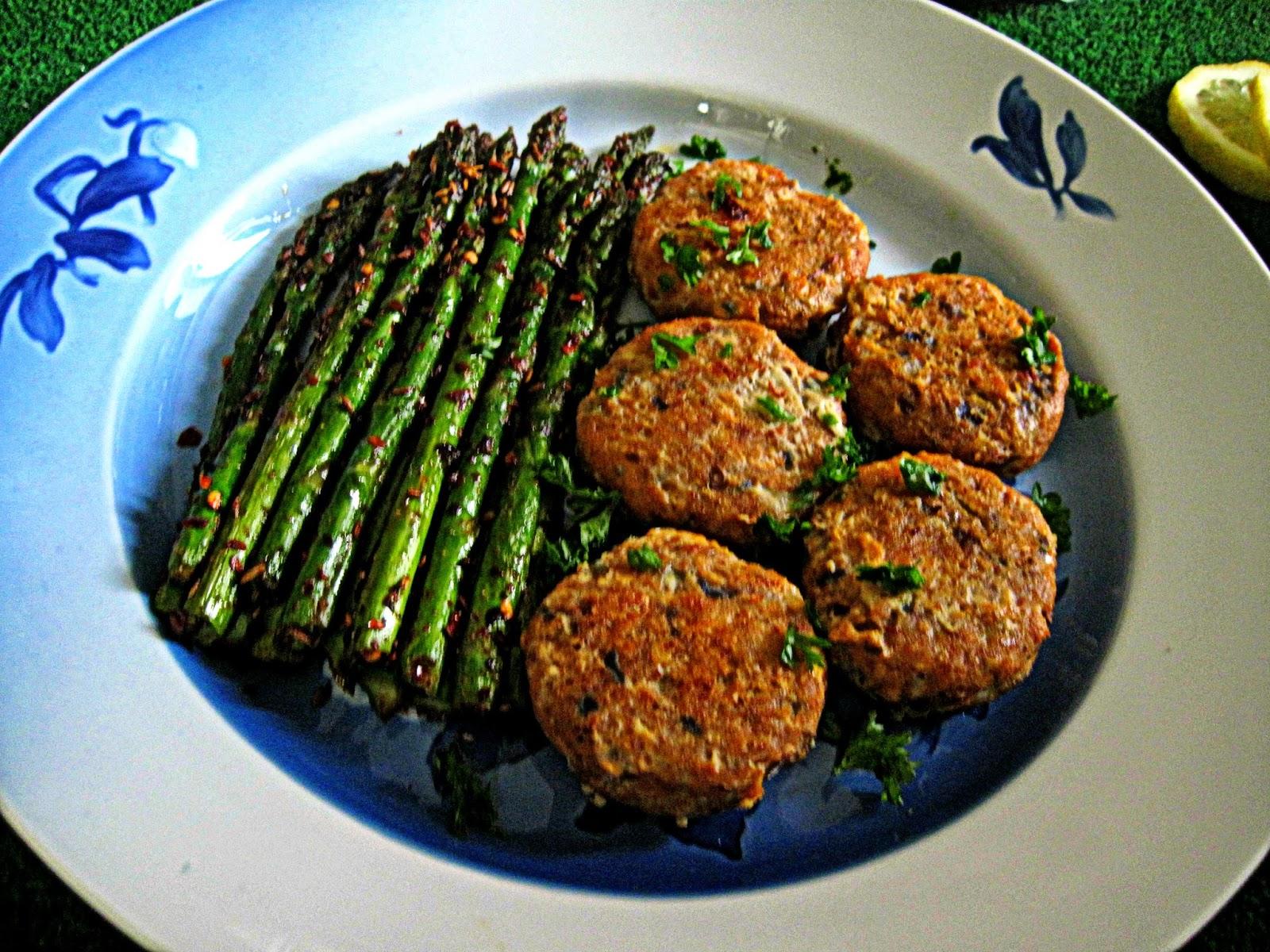 http://cupcakeluvs.blogspot.dk/2014/04/machli-kebab.html