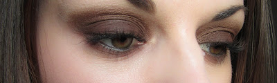 http://chroniquedunemakeupaddict.blogspot.com/2012/03/smoky-marron.html