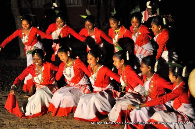 bihu dance of assam Festivals in assam - providing information on bihu dance assam, assam festivals, dances of assam, folk dances of india, north eastern india, assam bihu dance, festival of assam, festival of assam india, folk dance tours, tribals of assam.