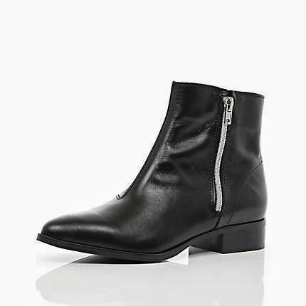 flat pointed boots