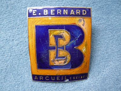 BERNARD truck camion calandre radiator badge emblem
