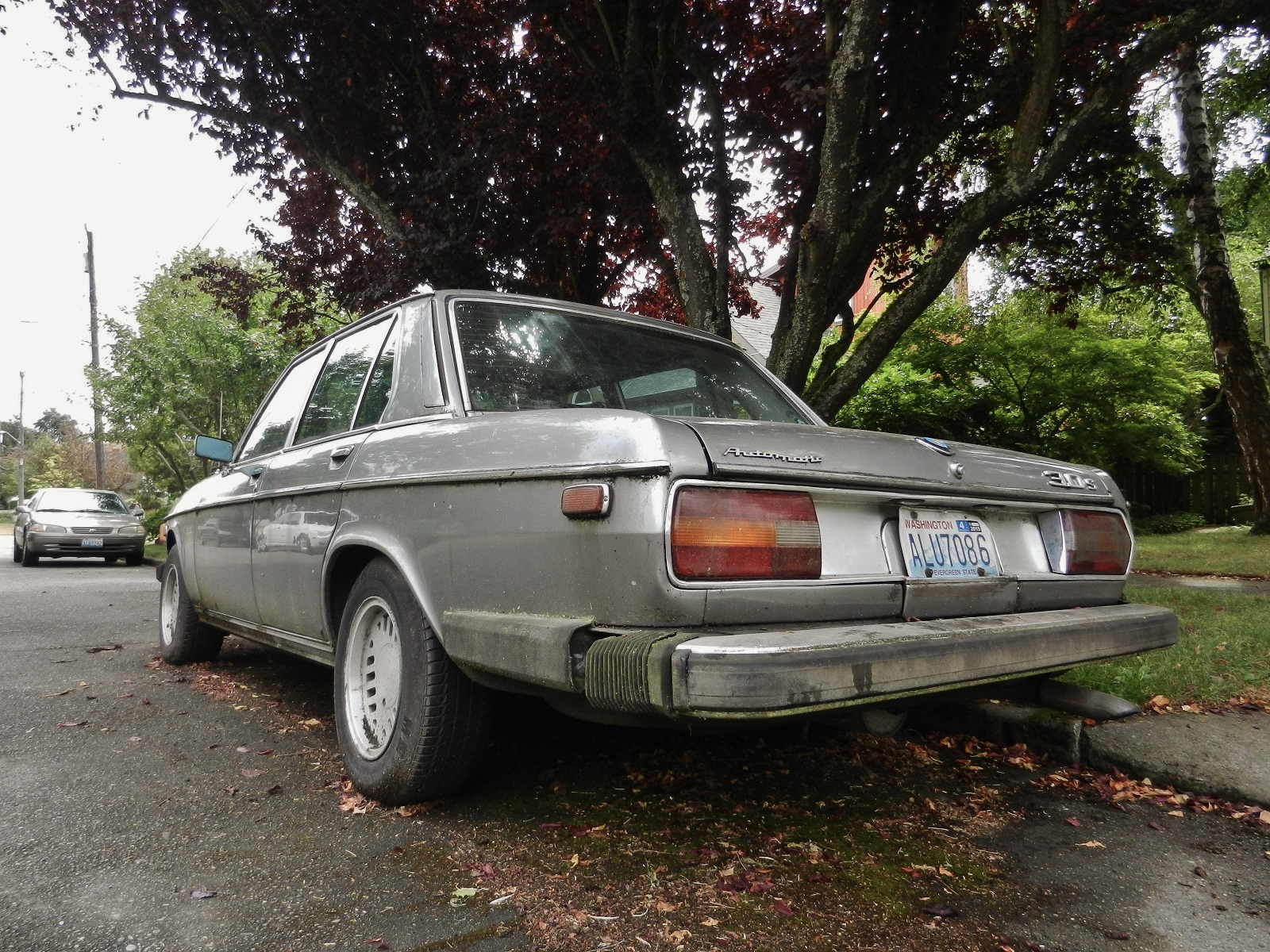 Seattles Parked Cars 1976 BMW 30S