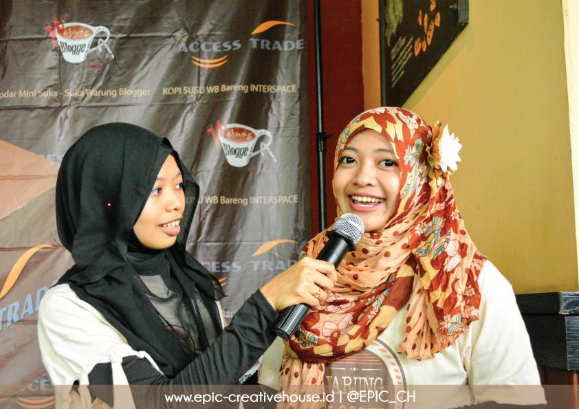 Sesi perkenalan Admin Warung Blogger
