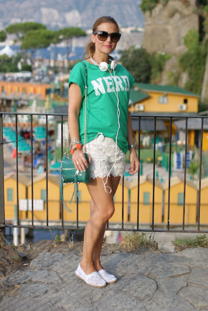 nerd t-shirt, asos nerd tee, white lace shorts, lace espadrillas, Fashion and Cookies, fashion blogger