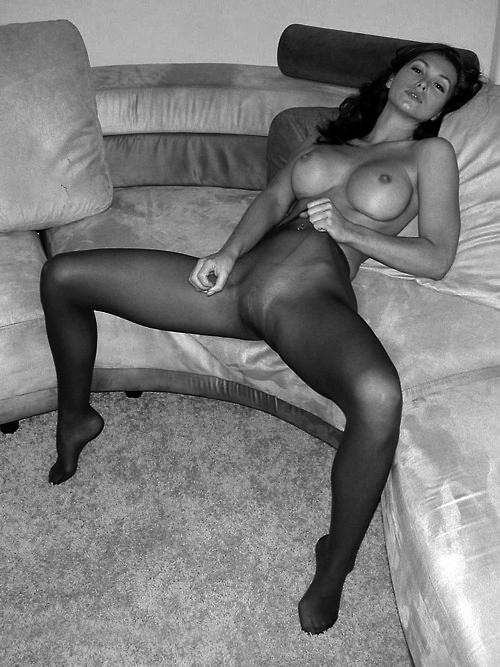 Erotic girl gymnastic photo